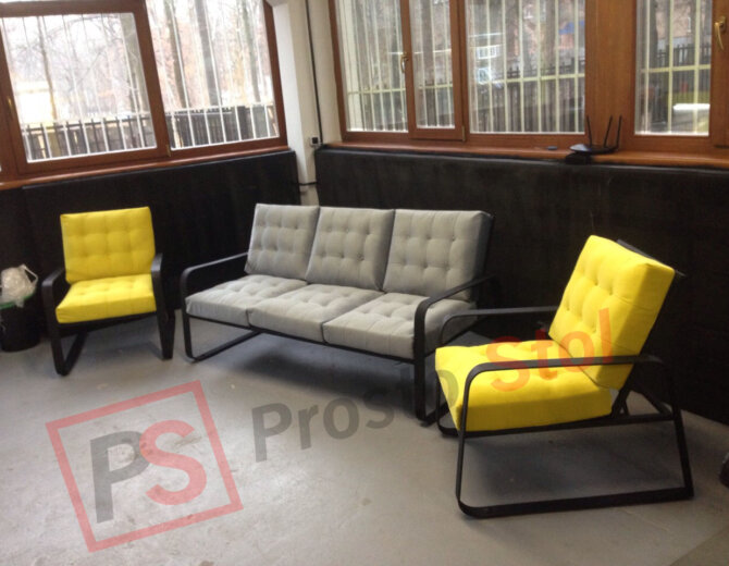 комплект металлической мягкой мебели